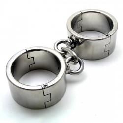 Stalowe masywne kajdany na nadgarstki dla niewolnika