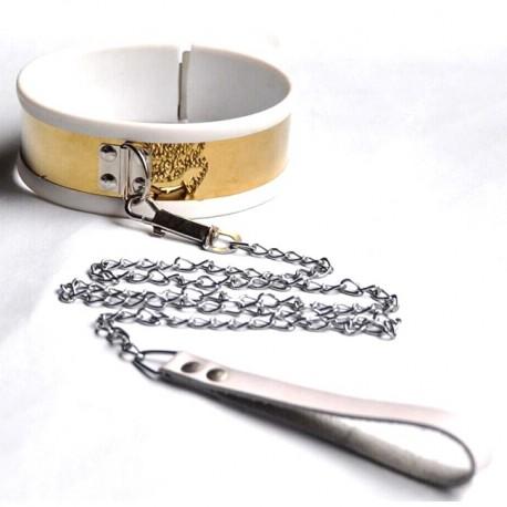 Wytworna złota obroża BDSM z obiciem gumowym i smyczą